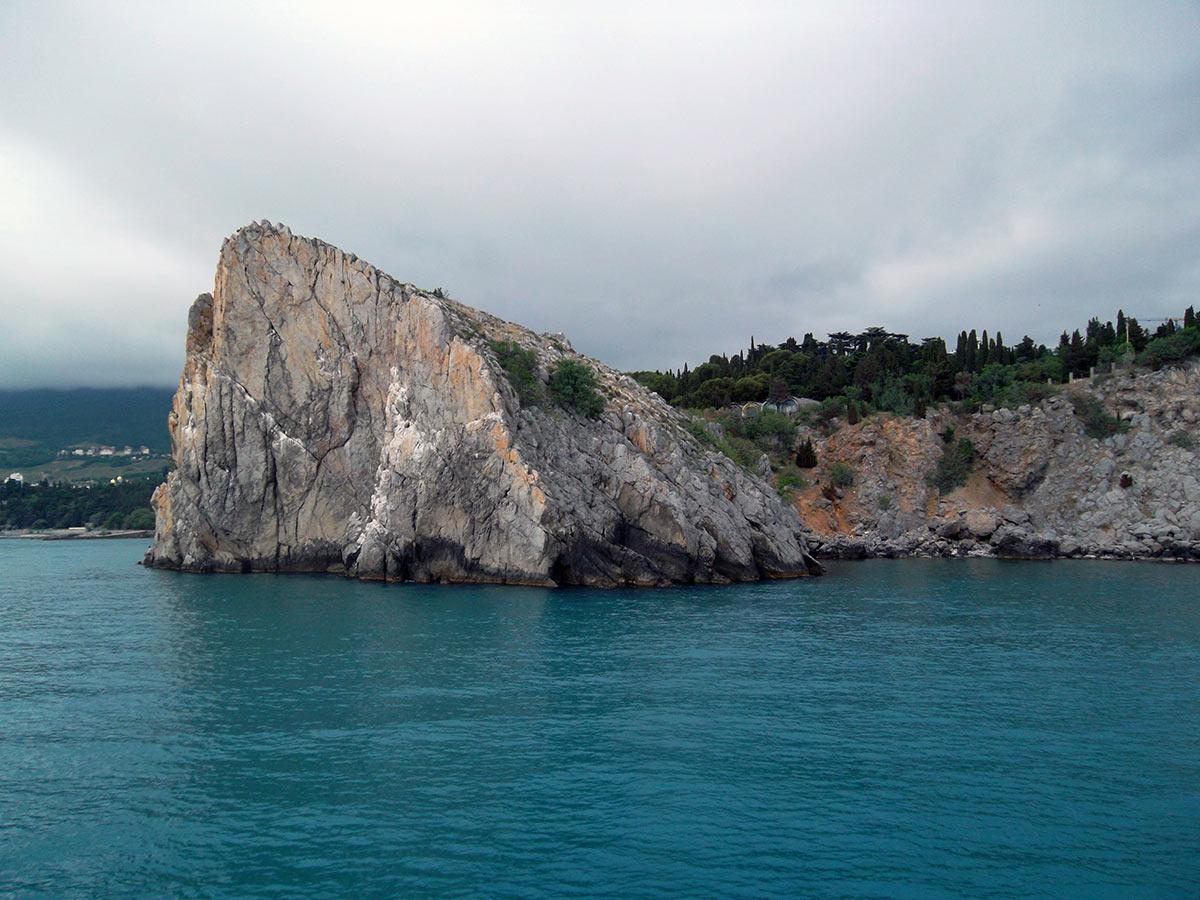 Федор замок в скале